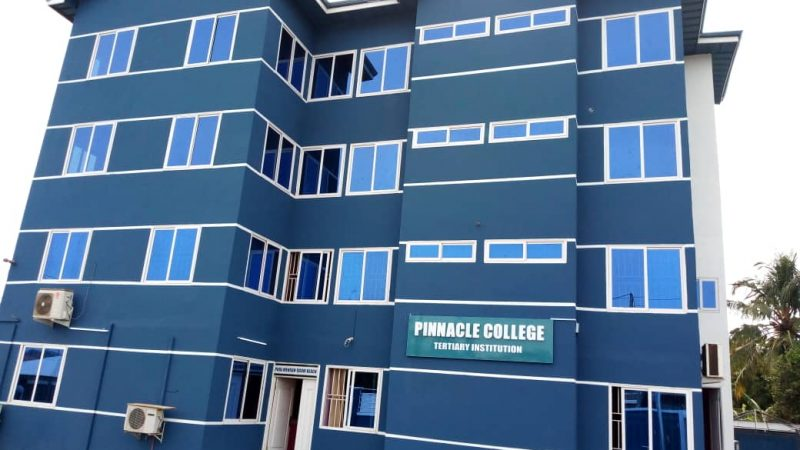 Bienvenue à Pinnacle College au Ghana!